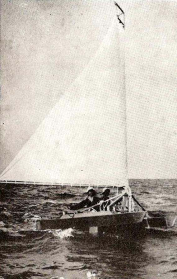 https://proafile.com/images/article_images/_large/catafoil-de-r-r-gilruth-livre-sailing-hydrofoil.jpg