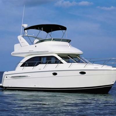 Meridian flybridge motor yacht